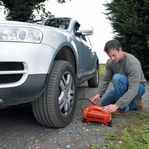 What is the Difference Between 12V Air Compressors and 12V Tire Inflators