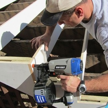 The Advantages and Drawbacks of Siding Nailers