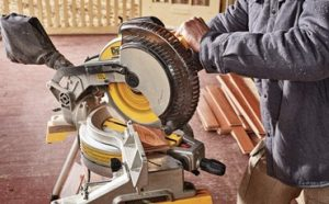 Best Miter Saws For Beginners Featured